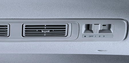 Rear Aircon with Independent Controls